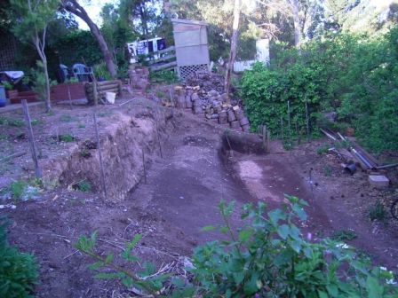 stage_1_pool_digging_by_hand3.jpg